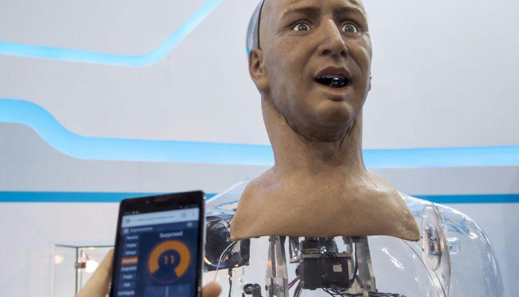 رباتیک-ربات شبه انسان